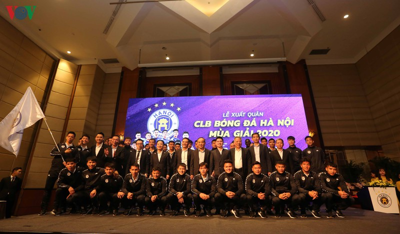 "hlv chu dinh nghiem: ""v-league 2020 cang nhieu doi manh, ha noi fc cang khao khat hon"" hinh 1"