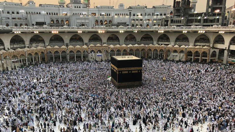 indonesia huy cuoc hanh huong ve thanh dia mecca do covid-19 hinh 1